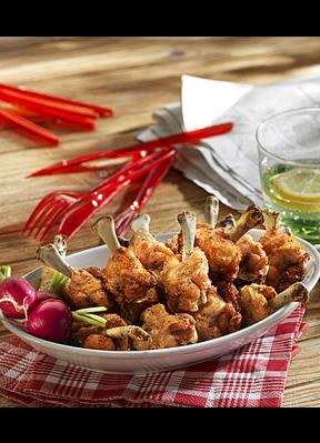 pouletfluegeli-fingerfood-rotes-besteck
