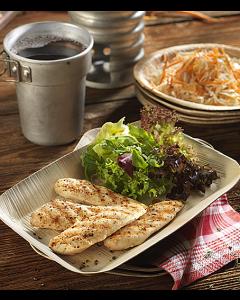 poulet-schnitzel-salat-blechbecher